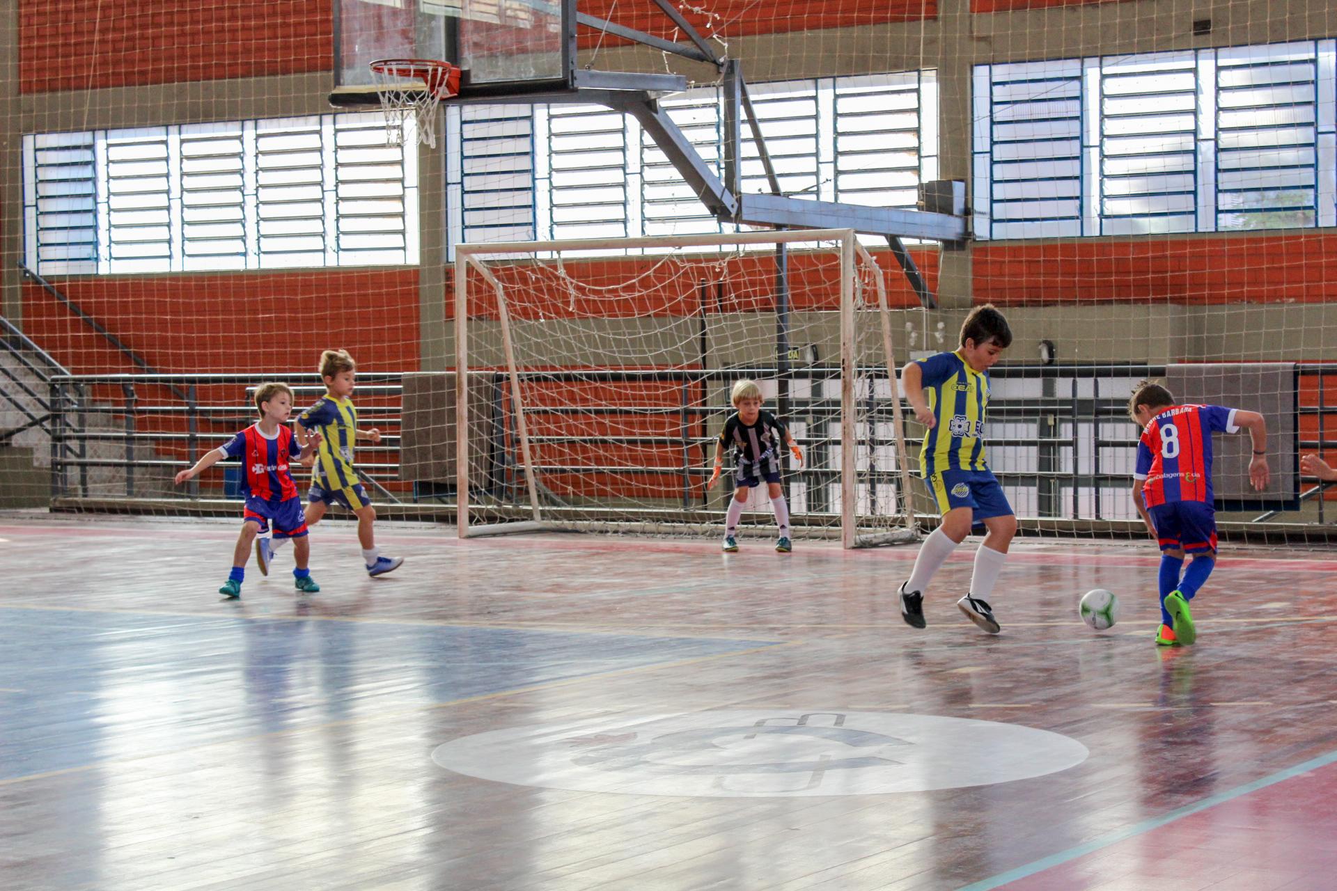 Liga de Futsal Escolar integra pequenos atletas escolares